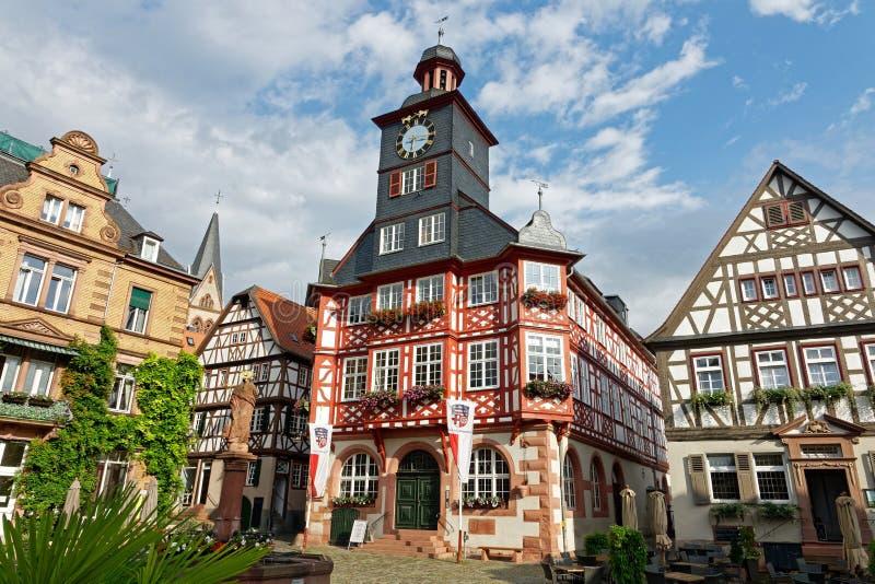 Stadshus i den historiska mitten av Heppenheim en der Bergstraße, Hessen, Tyskland fotografering för bildbyråer