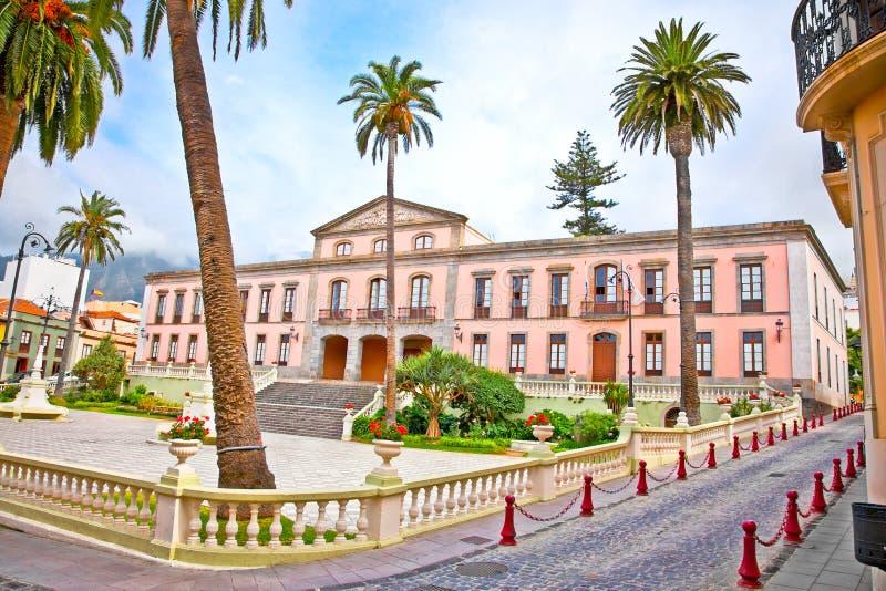 Stadshus i mitten av La Orotava. Tenerife Spanien royaltyfri fotografi