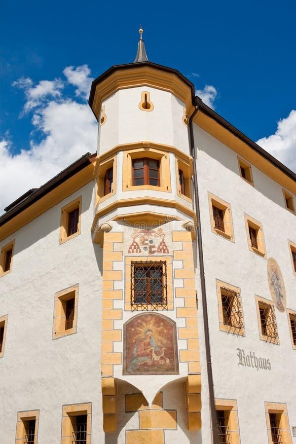 Stadshus i Tamsweg, Österrike arkivbilder