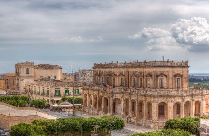 Stadshus Noto, Sicilien, Italien royaltyfria foton