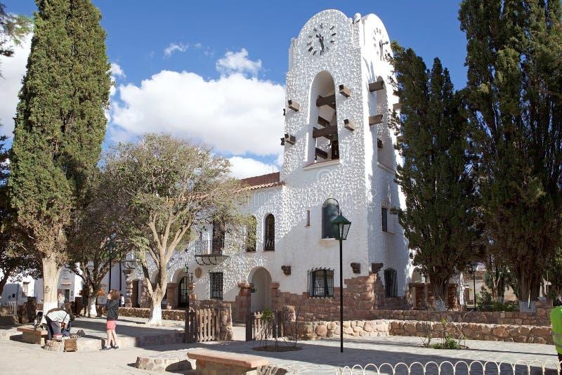 Stadshus- och klockatorn på Humahuacaen, Jujuy landskap, Argentina royaltyfria foton
