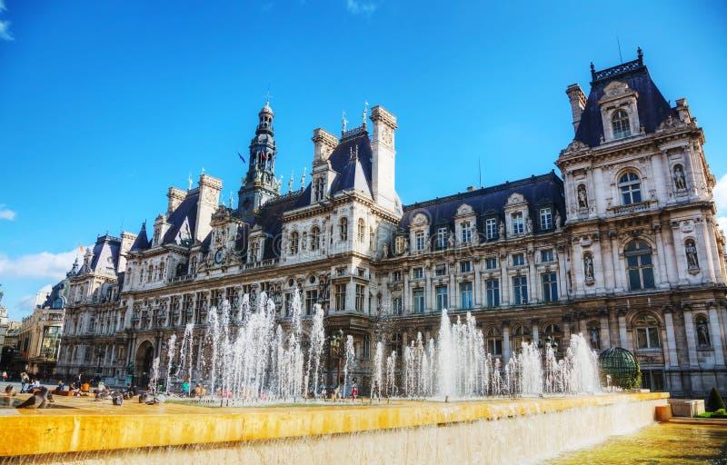 Stadshusbyggnad (Hotell de Ville) i Paris, Frankrike arkivbild