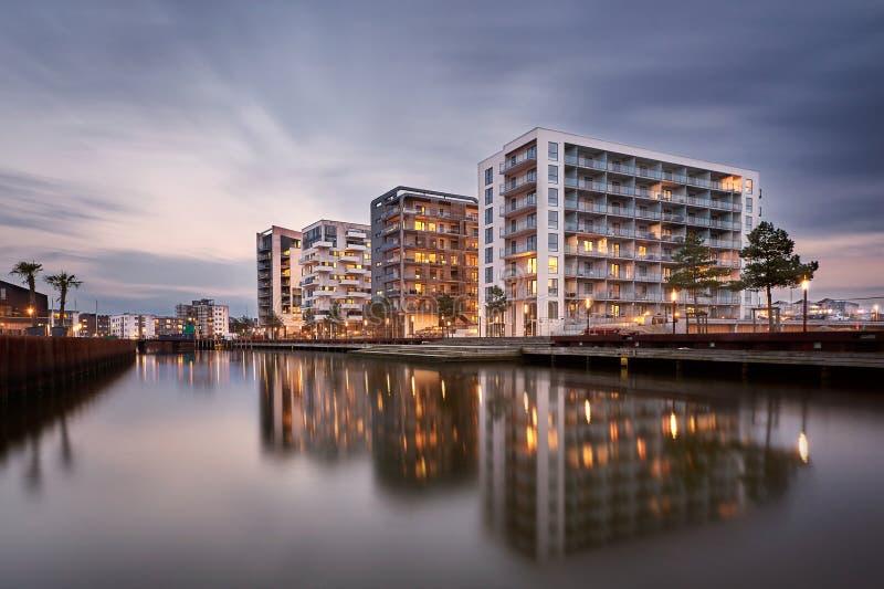 Stadskomplex på den Odense hamnen, Danmark arkivfoton