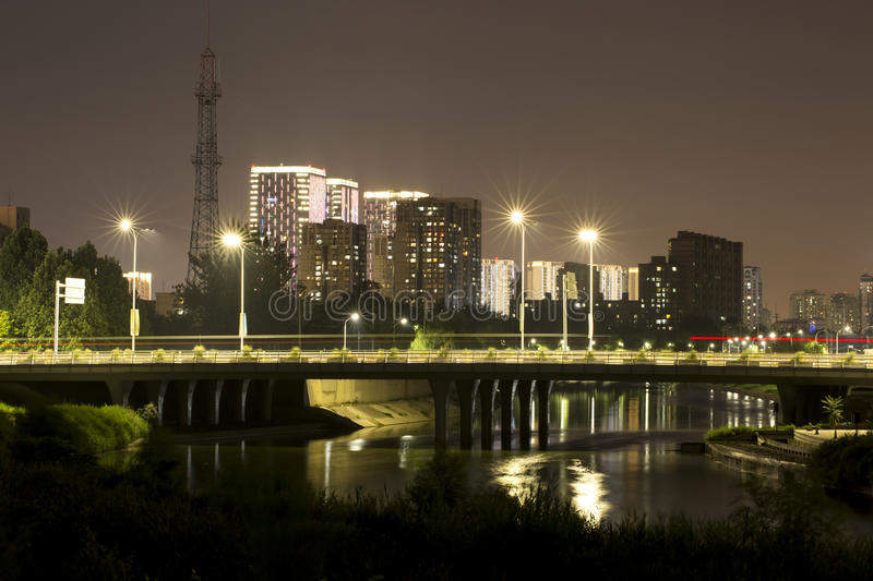 Stadslandschap van Tongzhou in nacht royalty-vrije stock foto
