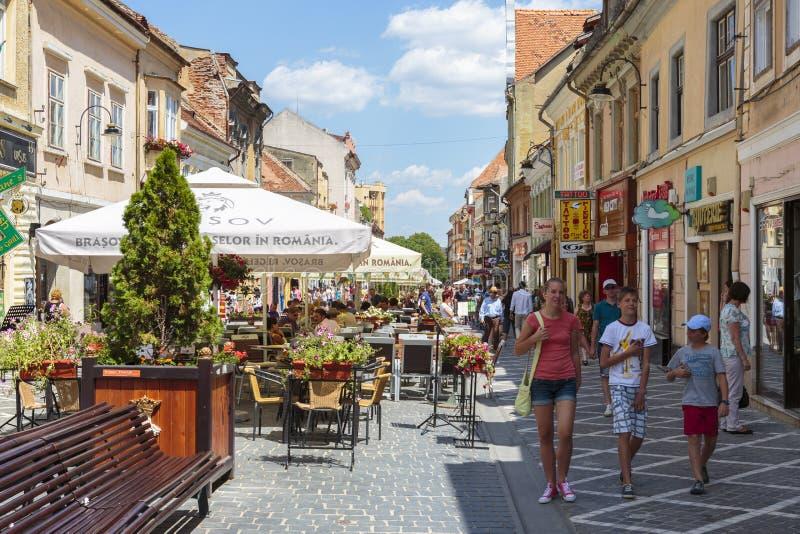 Stadsliv Brasov, Rumänien royaltyfri fotografi