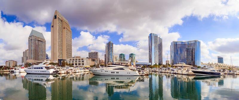 Stadsmening met Marina Bay in San Diego, Californië royalty-vrije stock afbeeldingen