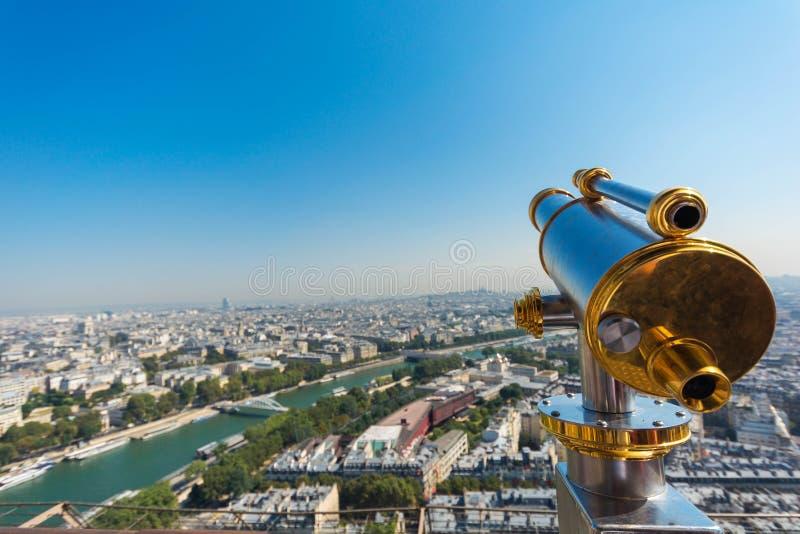 Stadsmening van Parijs zoals die van de toren van Eiffel wordt gezien royalty-vrije stock afbeelding