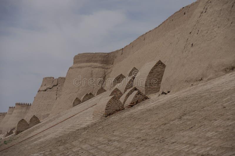 Stadsmuren van de oude stad van Ichan Kala in Khiva, een Unesco stock afbeelding