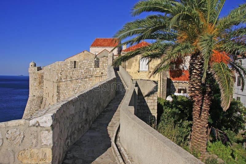 Stadsmuren van Dubrovnik royalty-vrije stock fotografie