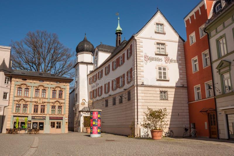 Stadsmuseum van Rosenheim in de bouw van Mittertor - middeleeuwse stadspoorten, Rosenheim, Duitsland stock afbeeldingen