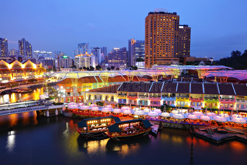 stadsnatt singapore royaltyfri foto
