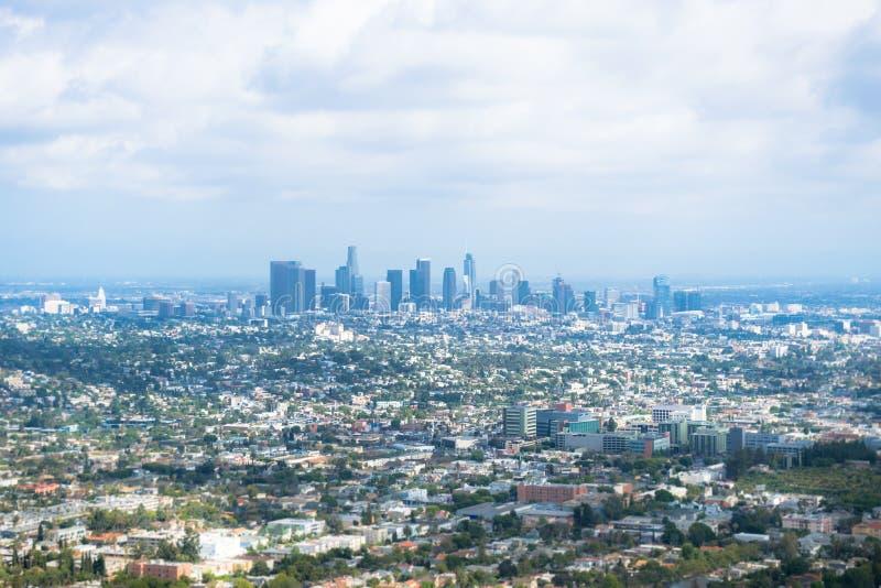 Stadspanorama av Los Angeles Kalifornien affärsmitt royaltyfri foto