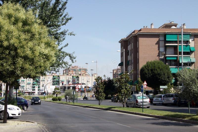 Stadssikt av Granada - en av de mest härliga och mest forntida städerna i Spanien royaltyfri bild