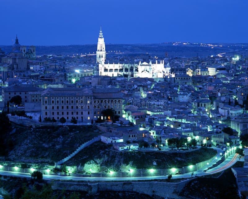 Stadssikt på skymning, Toledo royaltyfri fotografi