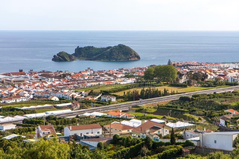Stadssikt vid havet - Portugal royaltyfri fotografi
