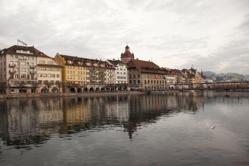 Stadssikter från i stadens centrum Luzern (Lucerne), Schweiz arkivbild