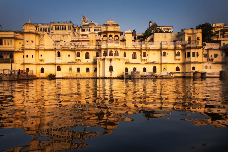 Stadsslott Udaipur royaltyfri fotografi