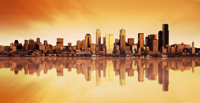 stadssoluppgångsikt arkivbild