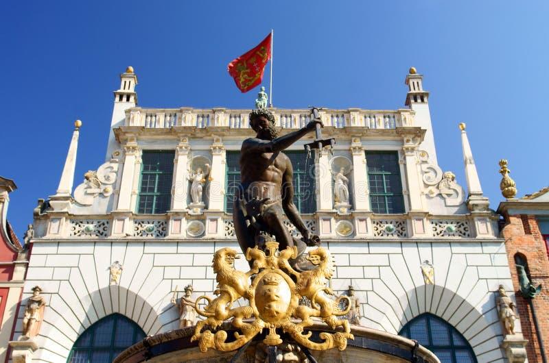stadsspringbrunngdansk neptune gammal staty fotografering för bildbyråer