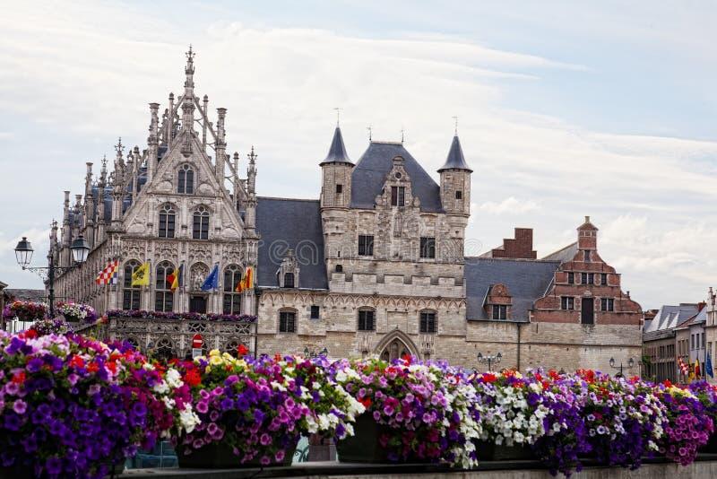 Stadsstadshus i Mechelen royaltyfria foton