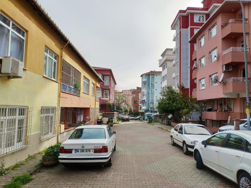Stadsstraten van het Coronavirus-virus Covid19 crisis betekent inwoners van Istanbul stock foto's