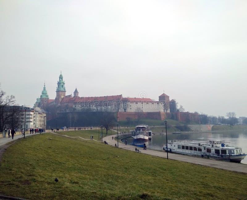 Stadt †‹â€ ‹von Krakau Polen die Landschaft von alten Straßen, von katholischen Kathedralen und von mittelalterlichen Festungen stockbild