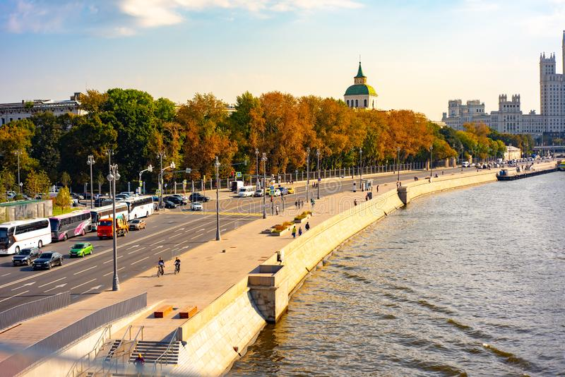 Stadt das Moskau, Moskvoretskaya-Damm Zamoskvorechye-Bereich 22 09 2018 lizenzfreies stockbild