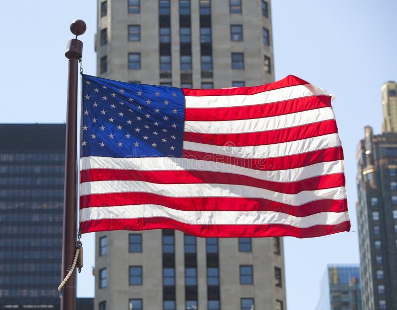 Stadt der amerikanischen Flagge lizenzfreies stockbild