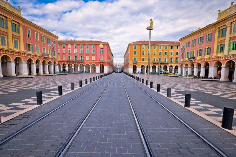 Stadt der bunten Ansicht Nizza Platz Massena-Quadrats stockbild