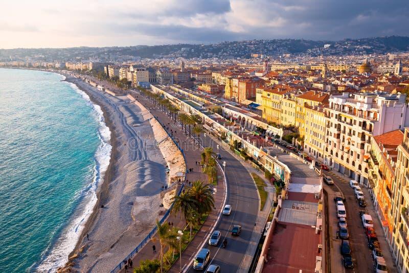 Stadt der Nizza Promenade des Anglais -Ufergegendvogelperspektive stockbild
