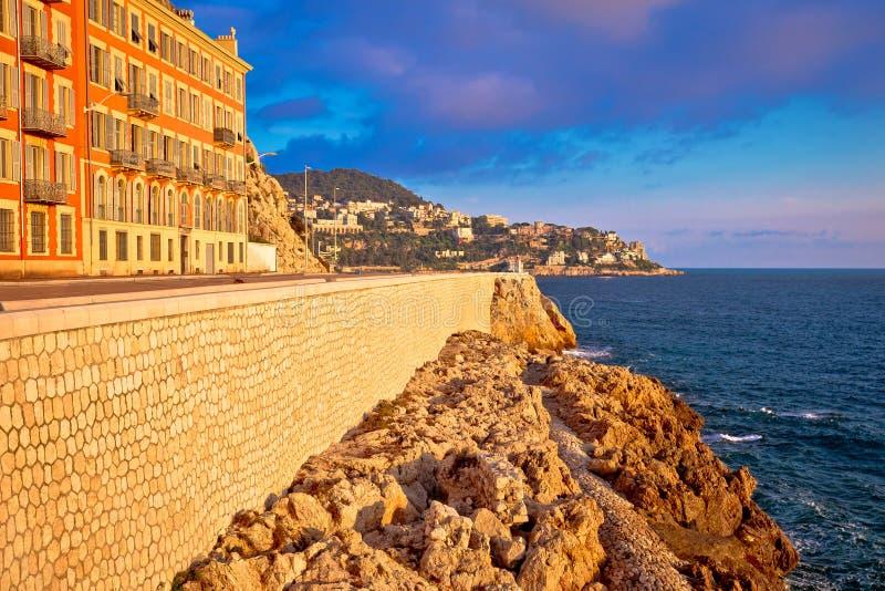 Stadt der Nizza Ufergegendsonnenuntergangansicht stockbild