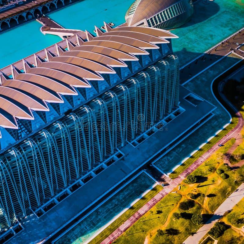 Stadt der Wissenschaft und der Künste in Valencia vom Brummen stockfotografie