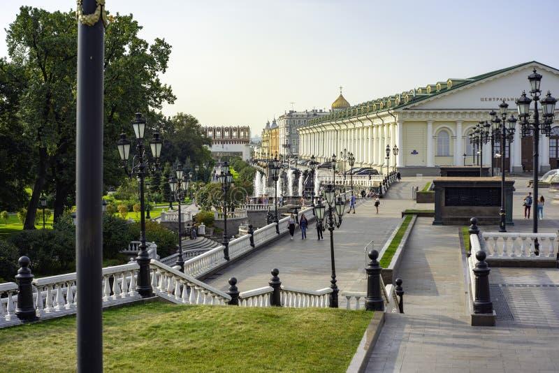 Stadt die Moskau-Region, zentrale Ausstellungshalle, Manezhnaya-Straße Moskau lizenzfreie stockfotografie