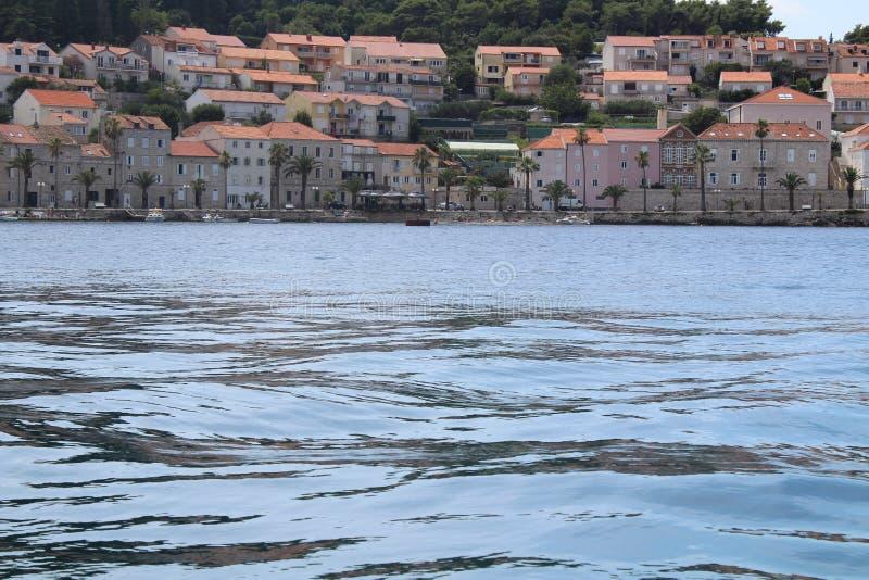Stadt in Kroatien auf der Insel stockbild