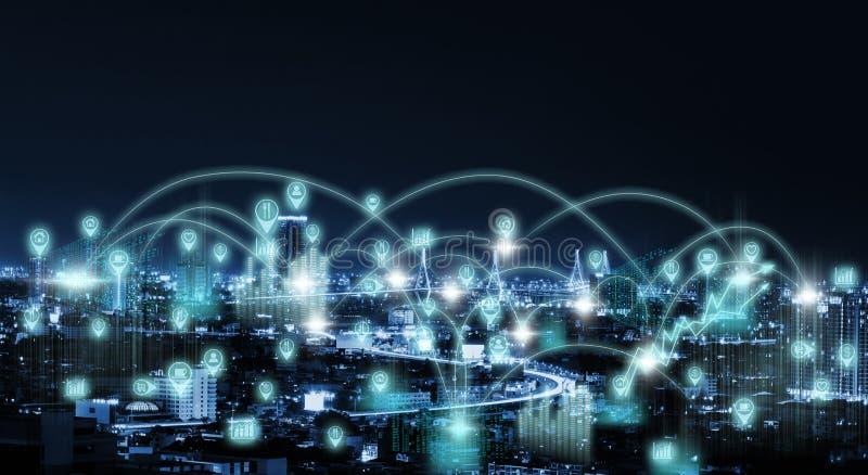 Stadt-Landschaft mit Internet-Ikone lizenzfreie stockfotografie