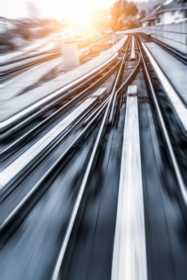 Stadt-Metro-Schiene, Bewegungsunschärfe stockfotos