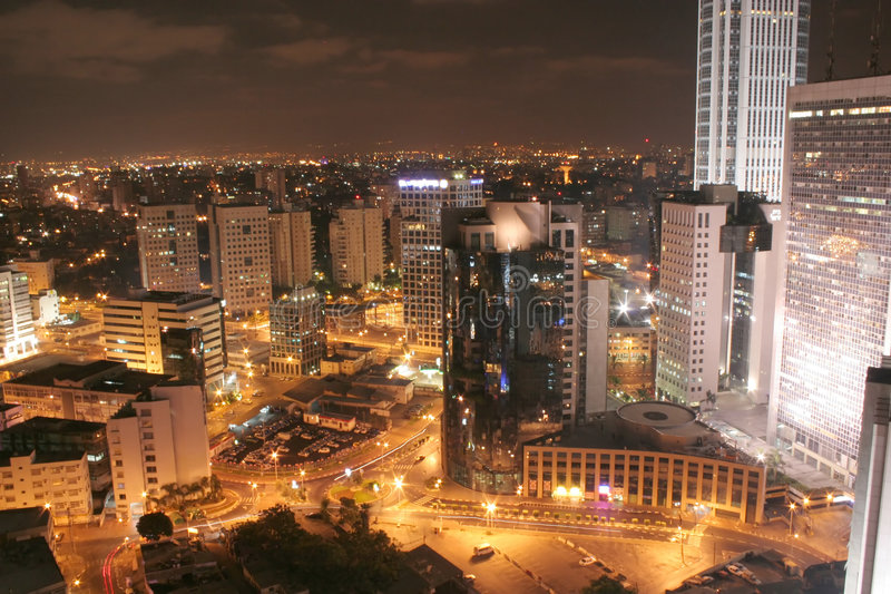 Stadt-Nachtansicht lizenzfreies stockbild
