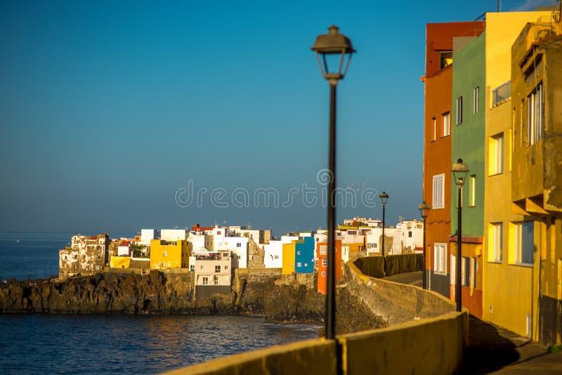 Stadt Punta Brava auf Teneriffa-Insel lizenzfreie stockfotos