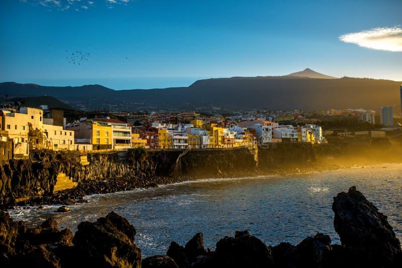 Stadt Punta Brava auf Teneriffa-Insel stockbilder