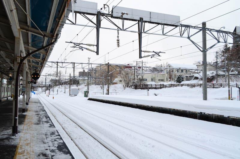 Stadt scape von Otaru-Bahnstation im Winter, Japan lizenzfreie stockbilder