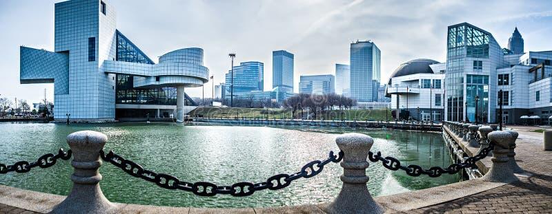 Stadt-Skylinetageszeit Clevelands Ohio stockfotos