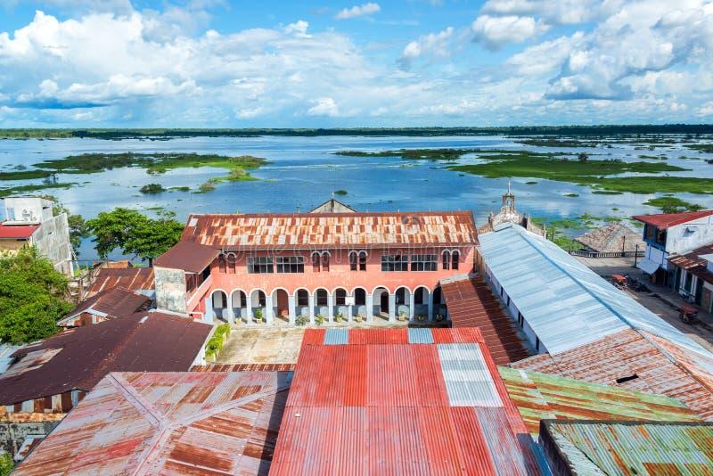 Stadt-und Fluss-Ansicht Iquitos stockbilder