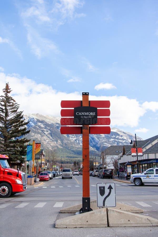 Stadt von Canmore auf den Kanadier Rocky Mountains von Alberta, Kanada stockfoto