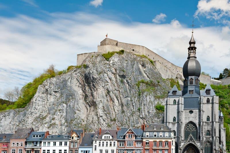 Download Stadt von Dinant stockbild. Bild von architektur, balkon - 26353933