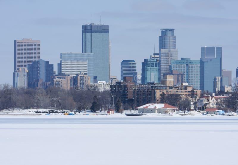 Stadt von Minneapolis lizenzfreie stockbilder