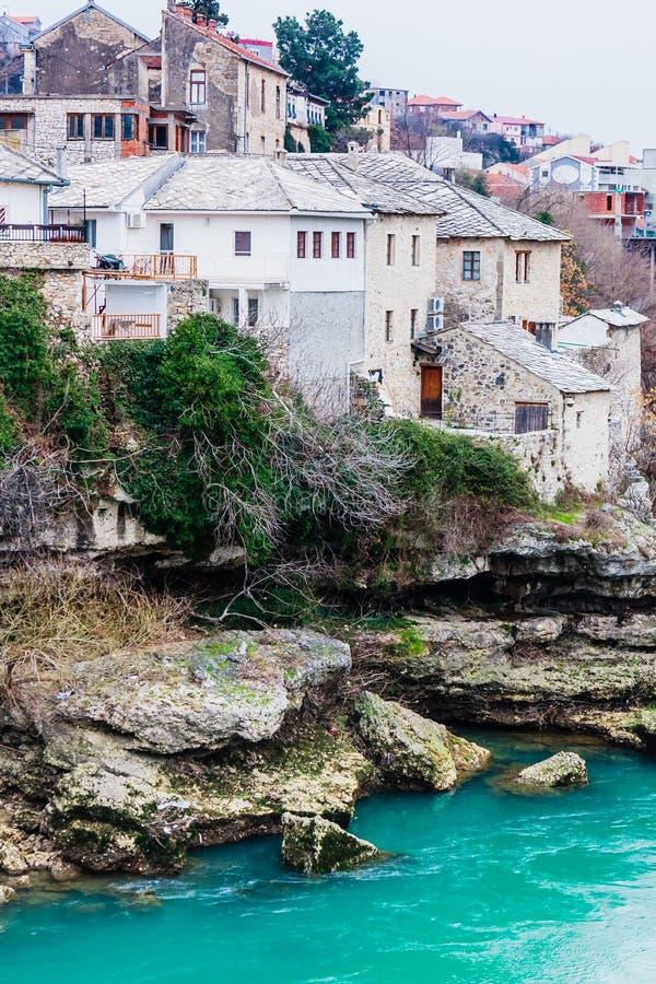 Stadt von Mostar auf dem Neretva-Fluss, Bosnien Herzegovina lizenzfreie stockfotografie