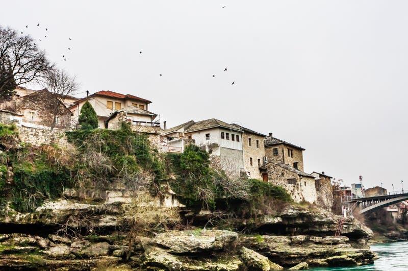 Stadt von Mostar auf dem Neretva-Fluss, Bosnien Herzegovina lizenzfreies stockbild