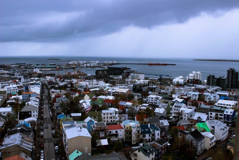 Stadt von Reykjavik von oben, Hauptstadt von Island stockfotografie