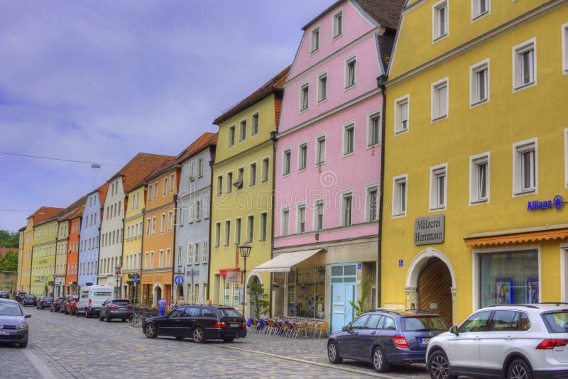Stadtamhof, straat met kleurrijke gebouwen, Oud Kwart in Regen royalty-vrije stock foto's