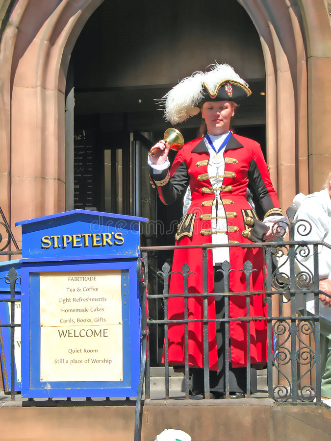 Stadtausrufer in Chester England Großbritannien lizenzfreie stockbilder
